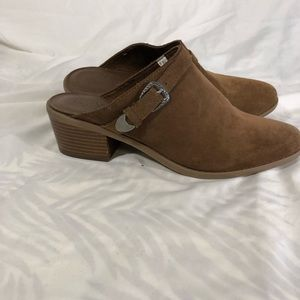 American Eagle Outfitters Suede mules 10
